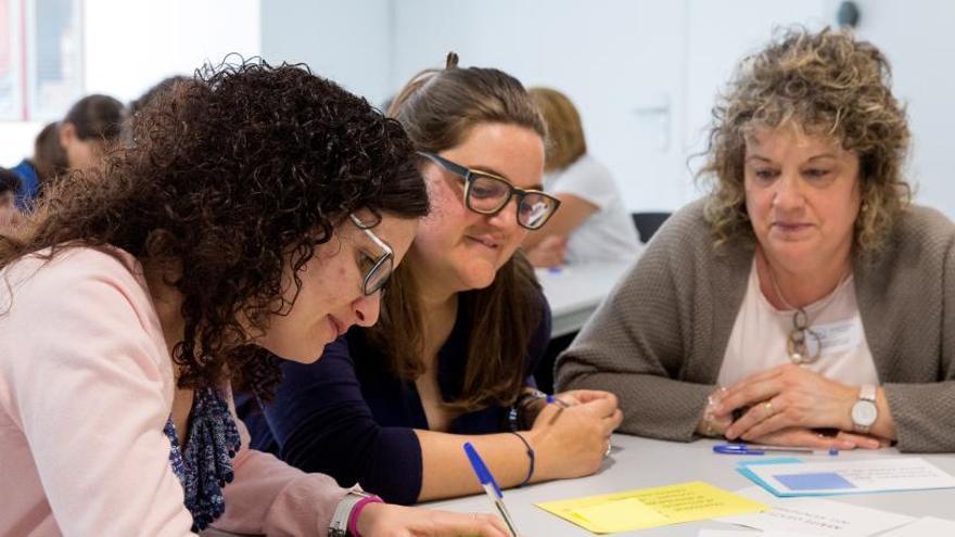 Cuatro colegios valencianos participan en el programa de liderazgo de EduCaixa