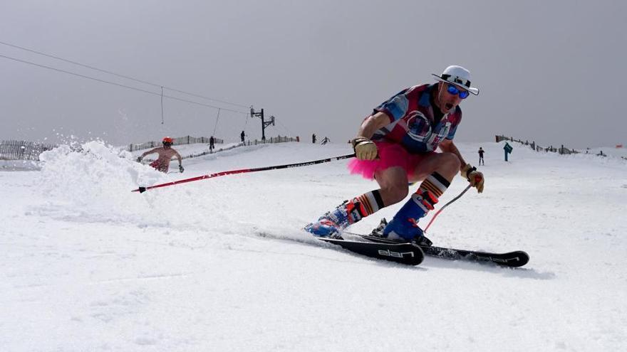 Vídeo: Així s'esquia durant el maig a l'estació de Masella a la Cerdanya
