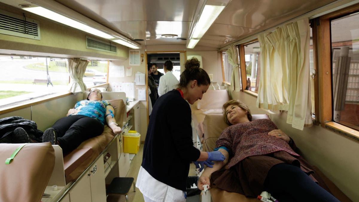 Unidad móvil de donación de sangre.