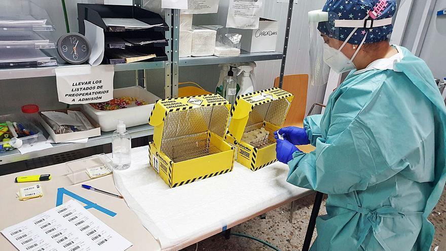 El Sergas hará un cribado masivo de PCR entre asintomáticos en un pabellón de Tui