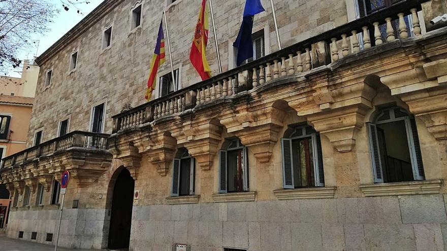 La Justicia avala prohibir las reuniones sociales entre la 1 y las 6 horas en Ibiza