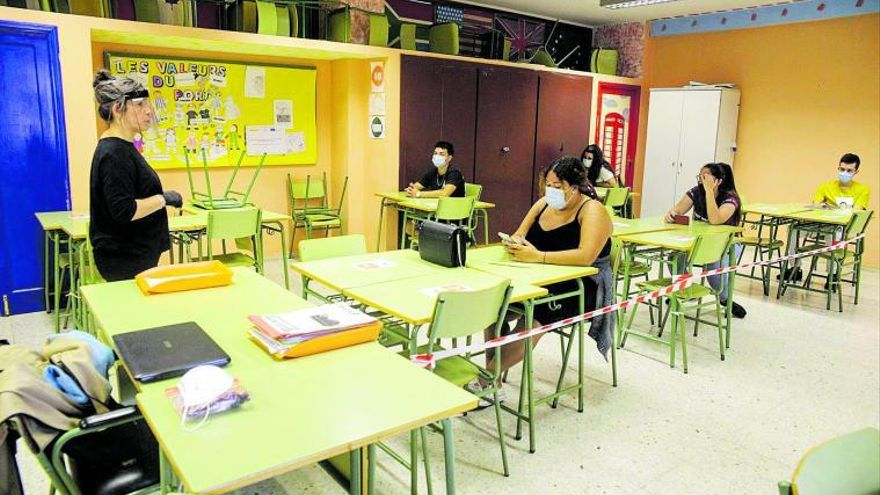 Educación publicará a final de mes la convocatoria para la OPE de junio
