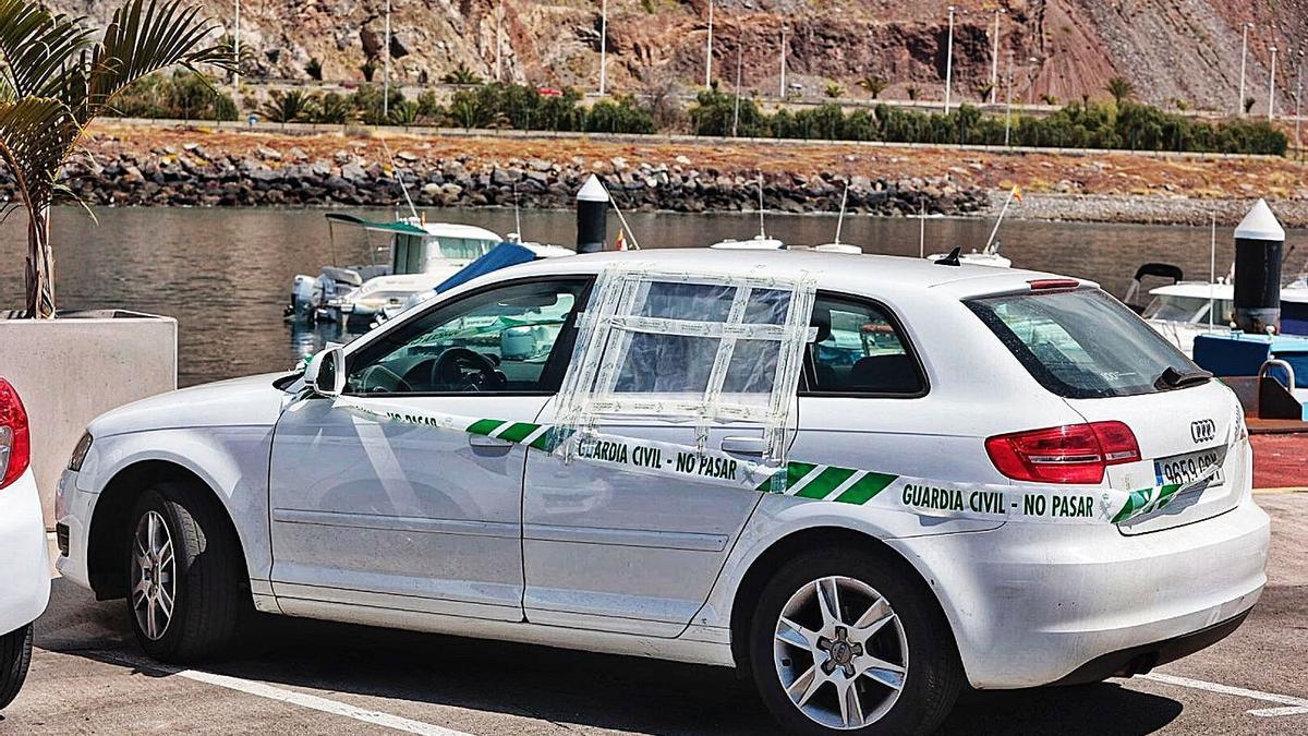 Vehículo del padre precintado por la Guardia Civil