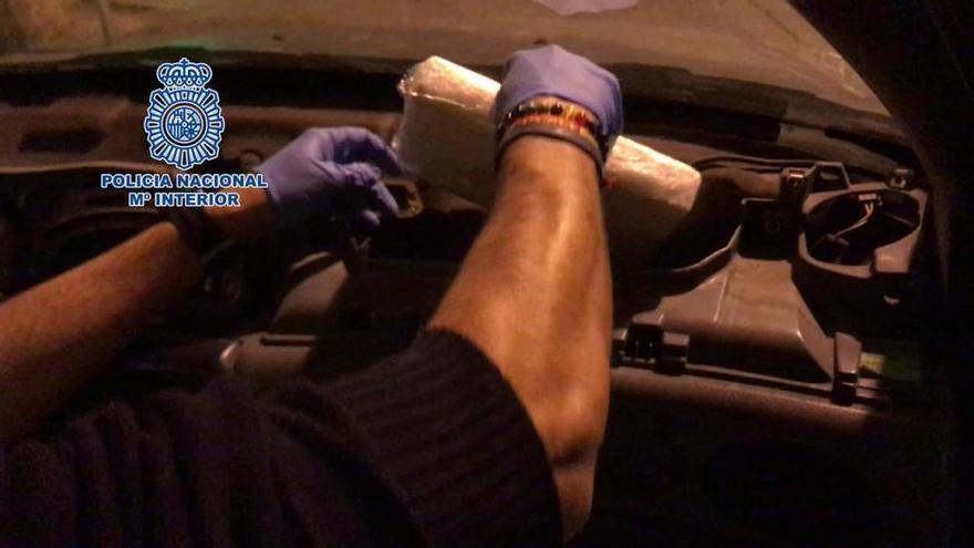 Polizei findet Kilopaket Kokain im Airbag-Fach