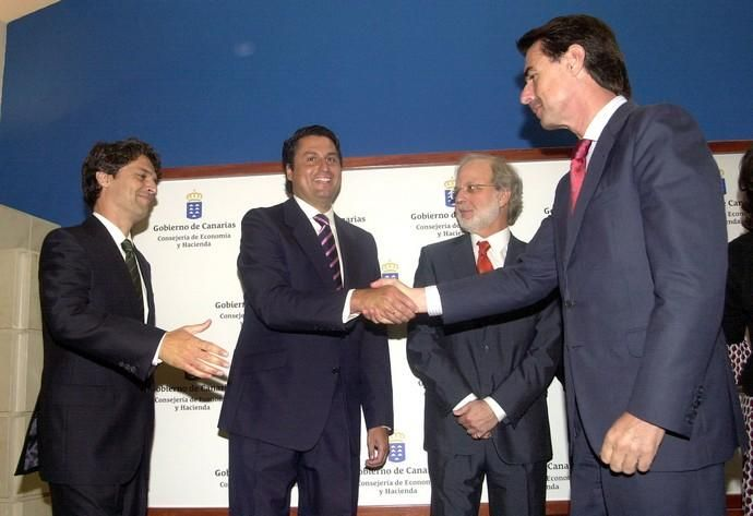 TOMA DE POSESION ALTOS CARGOS DE ECONOMIA Y ...