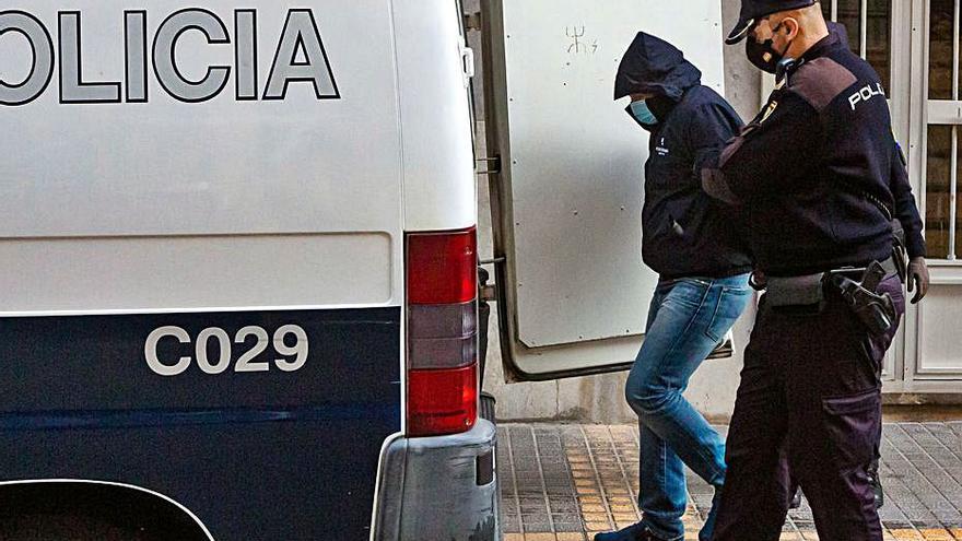 Denuncian escuchas ilegales al abogado ruso de la red de blanqueo