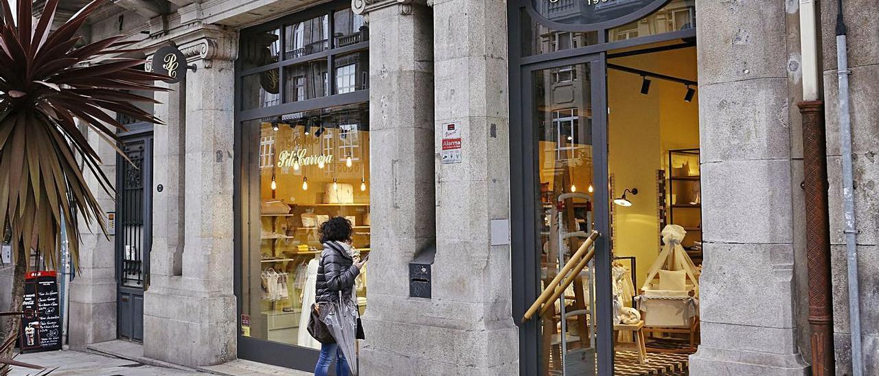 Tienda de Pili Carrera en el centro de Vigo. |   // RICARDO GROBAS
