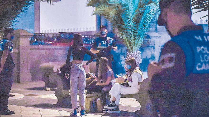 Canarias estrena el decreto ley anticovid que reabre el ocio nocturno