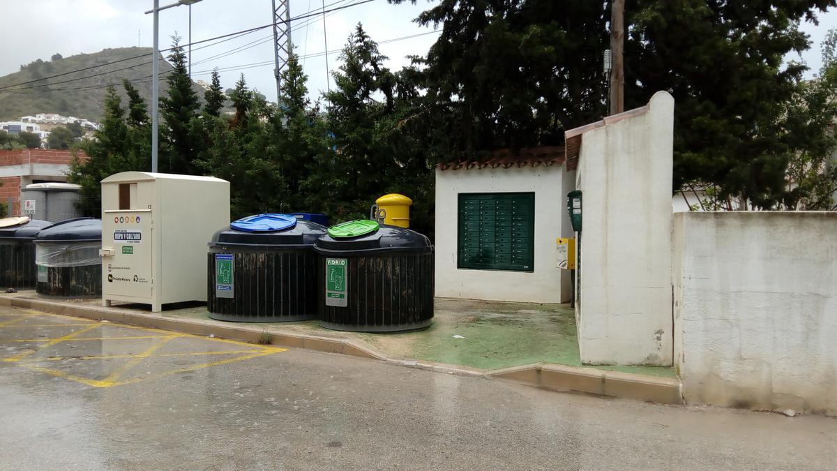 Una batería de contenedores del Ayuntamiento de Teulada Moraira