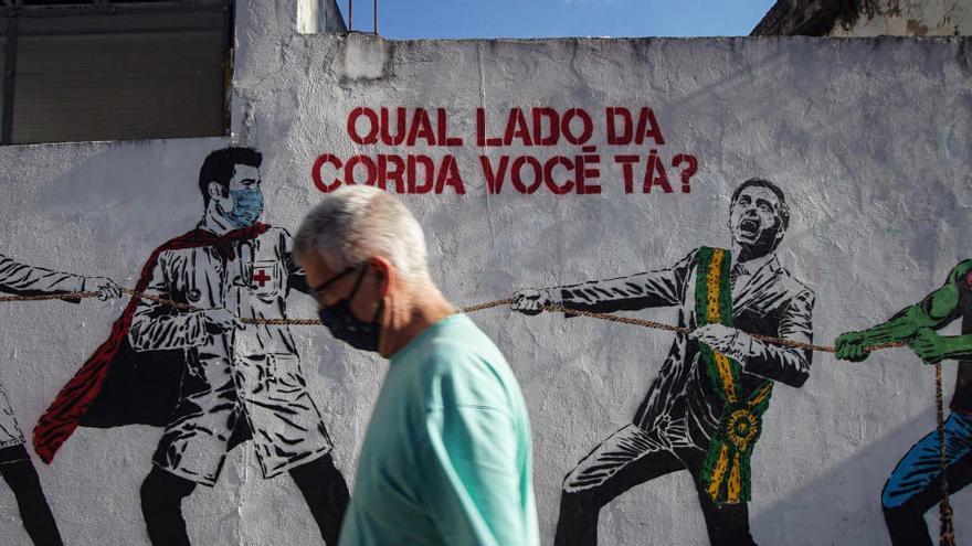 Brasil se acerca al millón de contagios sin llegar al pico