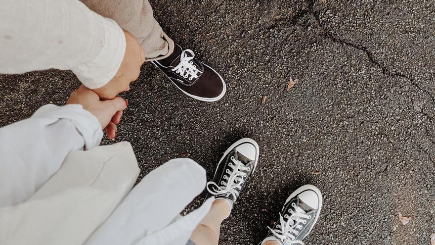 Una pareja en una imagen de archivo. Foto de Valeriia Miller en Pexels.