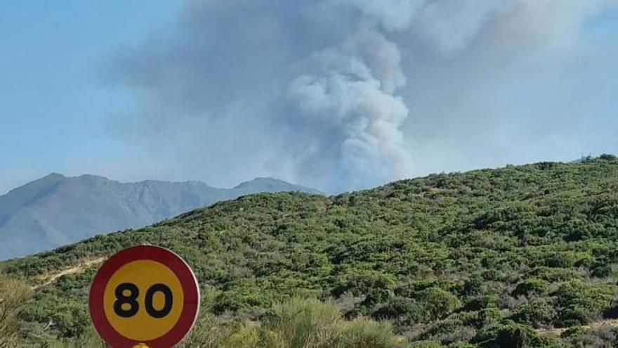 Carreteras cerradas por el incendio de Sierra Bermeja