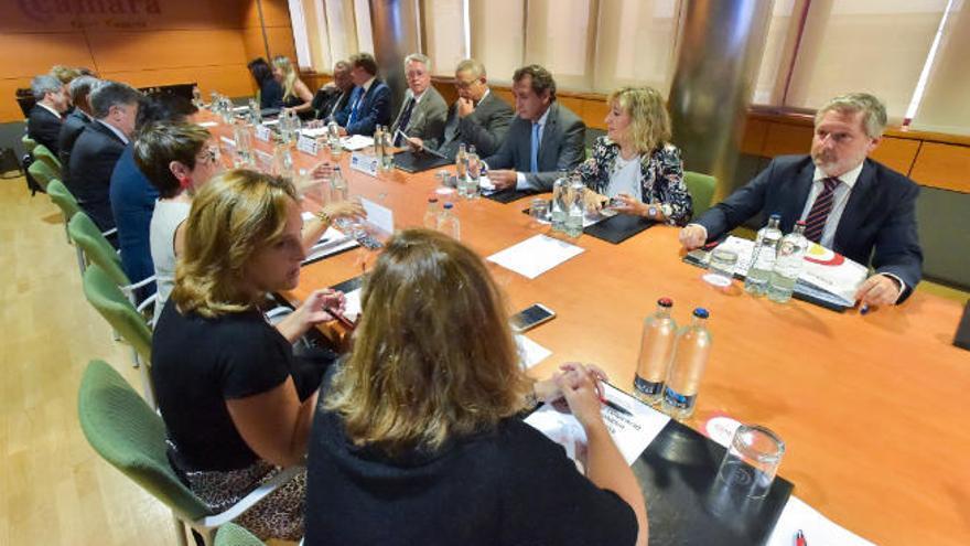El coronavirus obliga a aplazar la cumbre de cámaras españolas y africanas