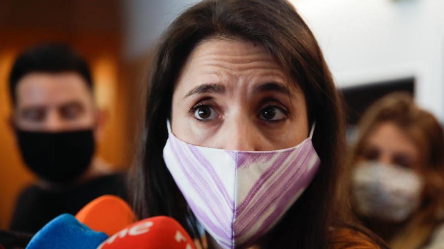 Igualdad acusa al PSOE de impedir el debate de la ley trans en el Consejo de Ministros