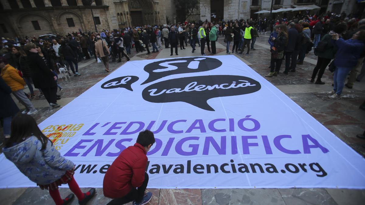 Manifestación pasada de Escola Valenciana.