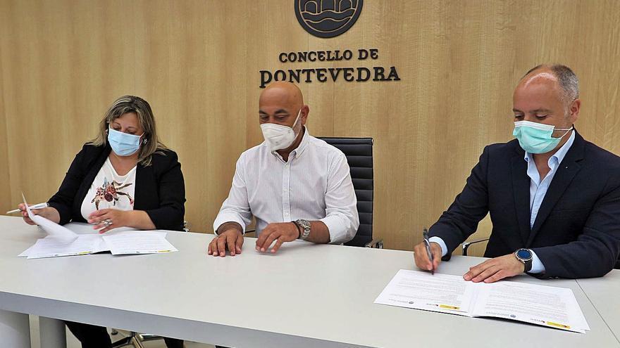 Un convenio para analizar la economía de Pontevedra y caminar hacia el futuro