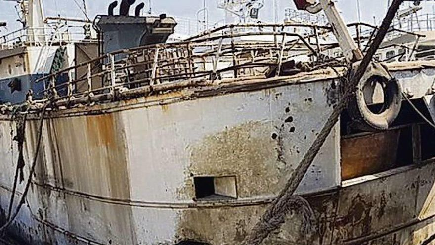 "El ""Kunlun"", asociado a Vidal Armadores, se pudre en Dakar"