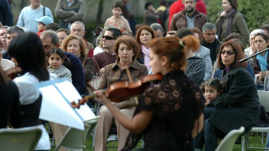 Ciclo de música clásica en la orilla de Os Gafos