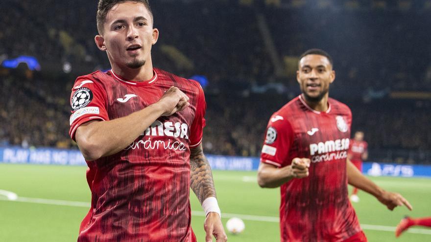 Yéremy se convierte en el goleador más joven del Villarreal en la 'Champions'