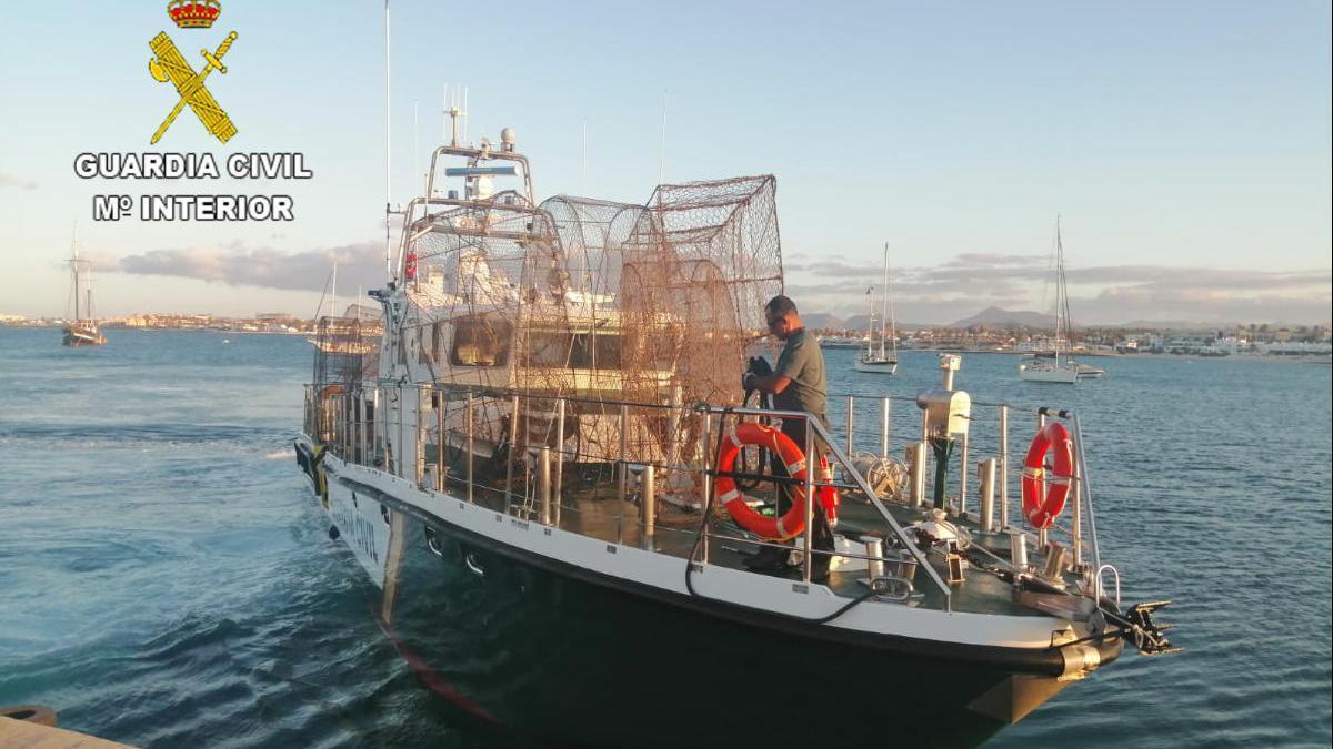Intervienen 14 nasas ilegales en el litoral del sureste en Lanzarote.
