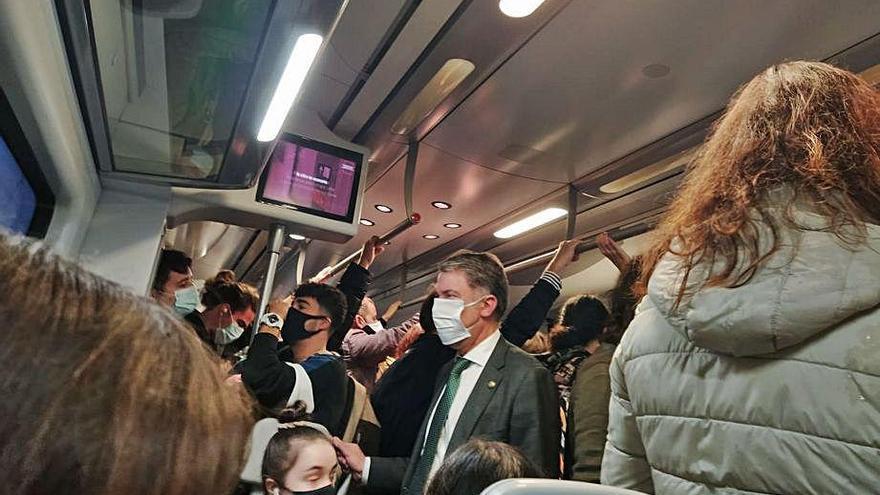 """Asturias """"exigirá"""" al Gobierno que acabe con la masificación en los trenes"""