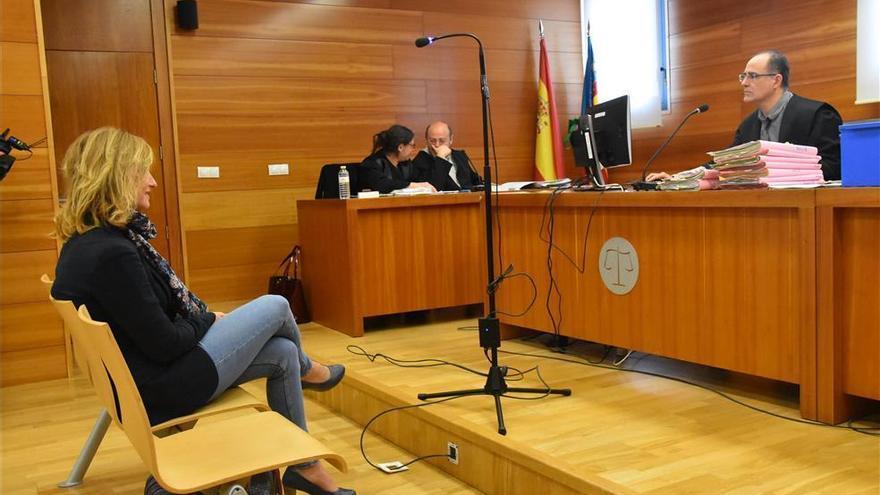 Piden 7.200 € a Gabarda por insultar a Barrachina en Facebook
