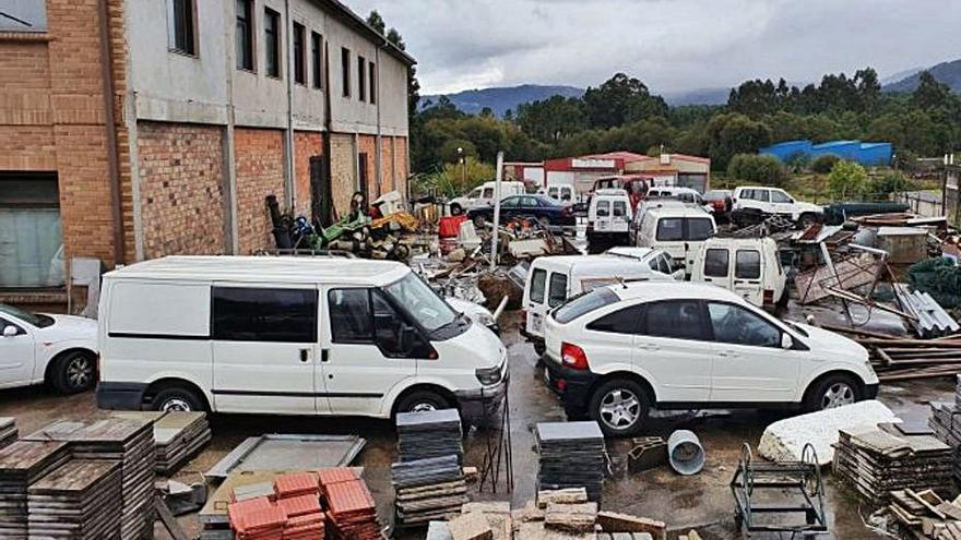 Porriño vende por 8.697 euros los 23 vehículos municipales en desuso