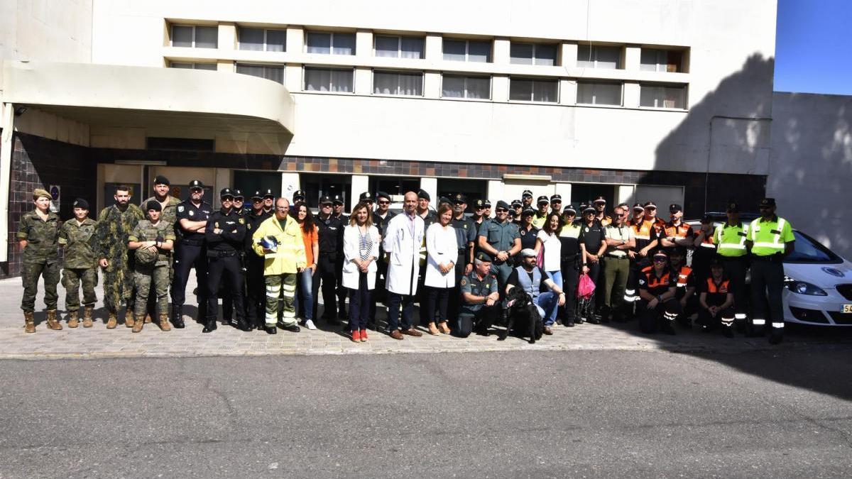 La asociación Sonrisas alegra a los niños ingresados en el hospital Reina Sofía