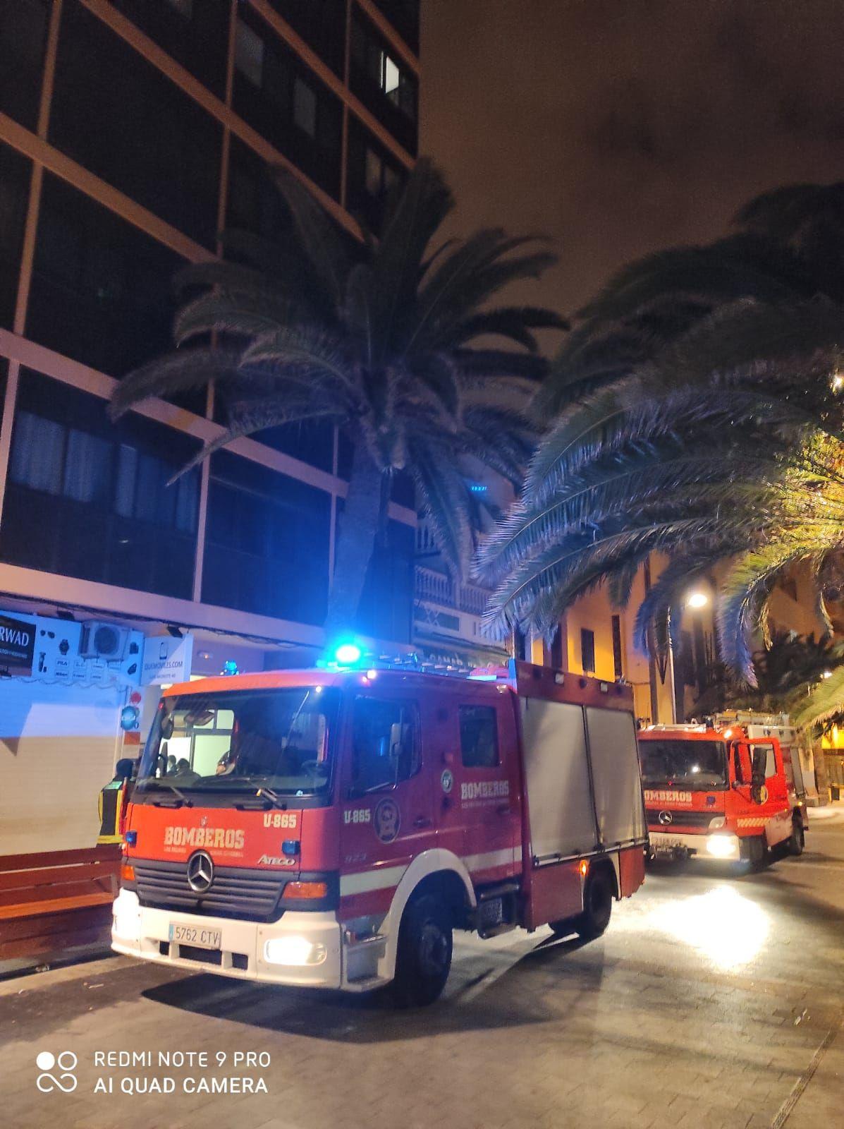 Incendio en Luis Morote (15/05/21)