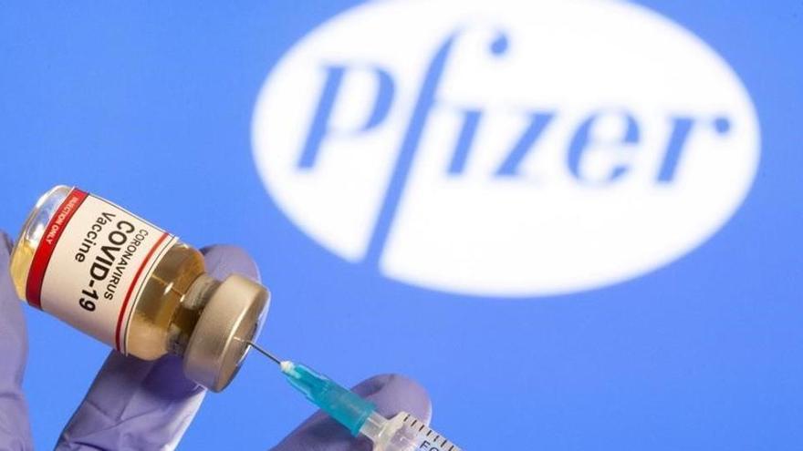 Expertos avisan que quienes rechacen vacuna anticovid correrán mayor peligro