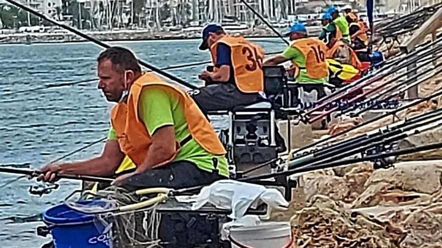 Vicente Giner, del CDPesca Gandia, lidera el Europeo de corcheo mar