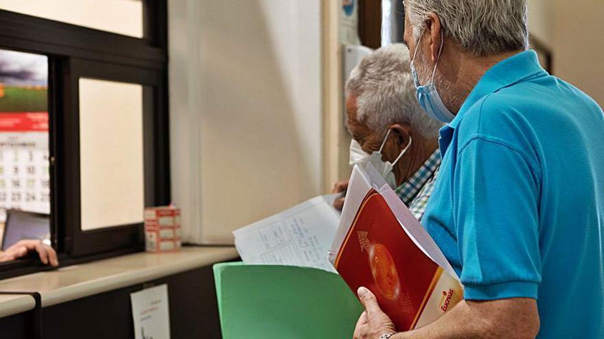 2.125 zamoranos firman contra la ORA en la zona de Santa Elena