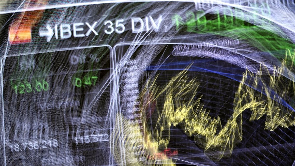 Valores del Ibex 35 en un panel del Palacio de la Bolsa.