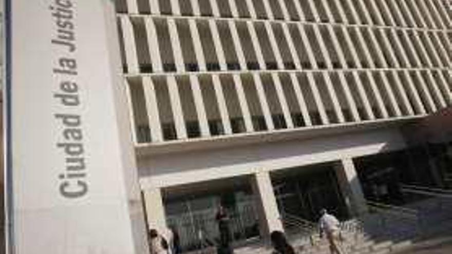 Condenado por coaccionar a 41 menores para obtener fotos íntimas en Tuenti