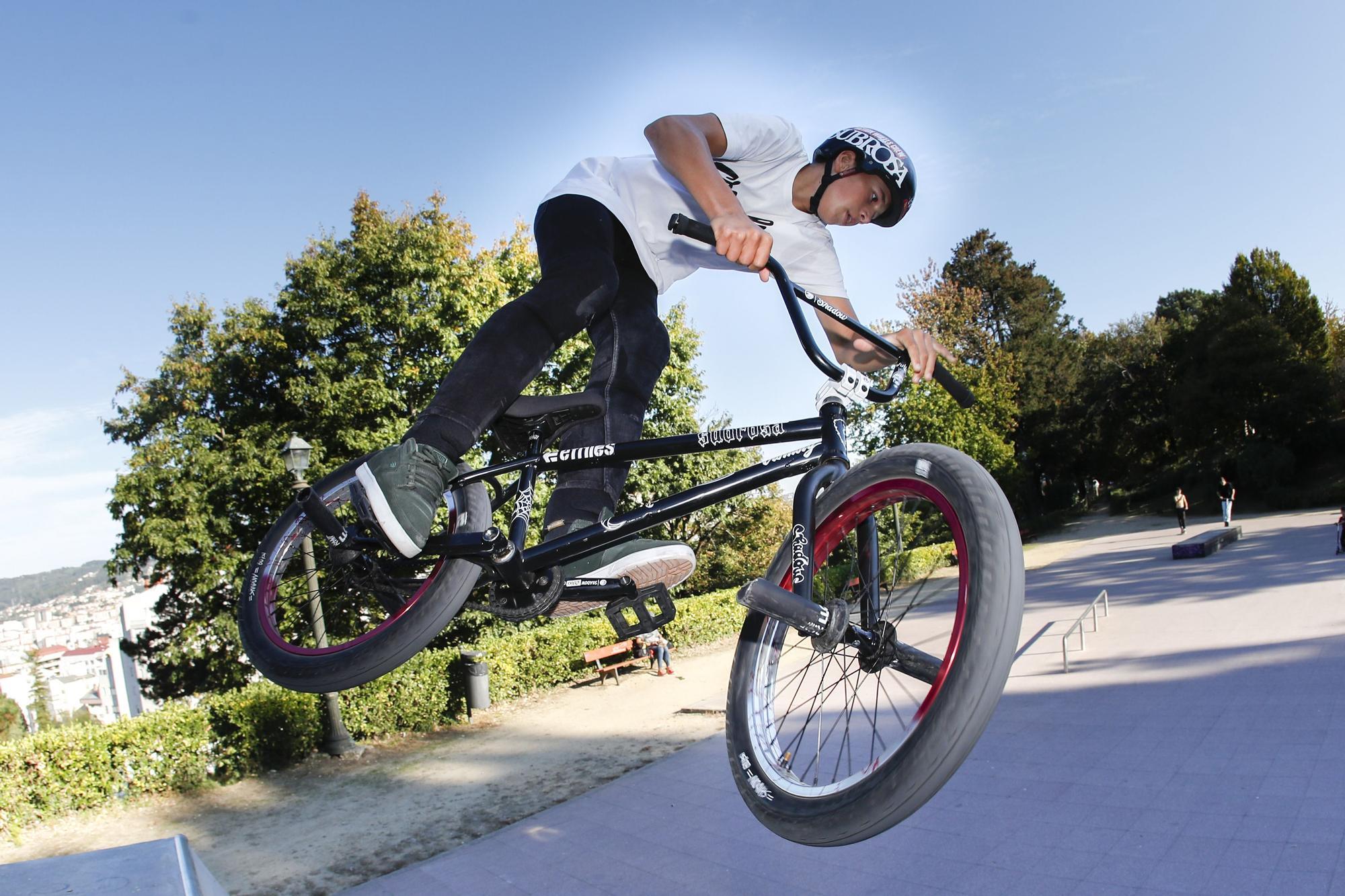 Saúl Vilar, ayer en el skatepark de O Castro