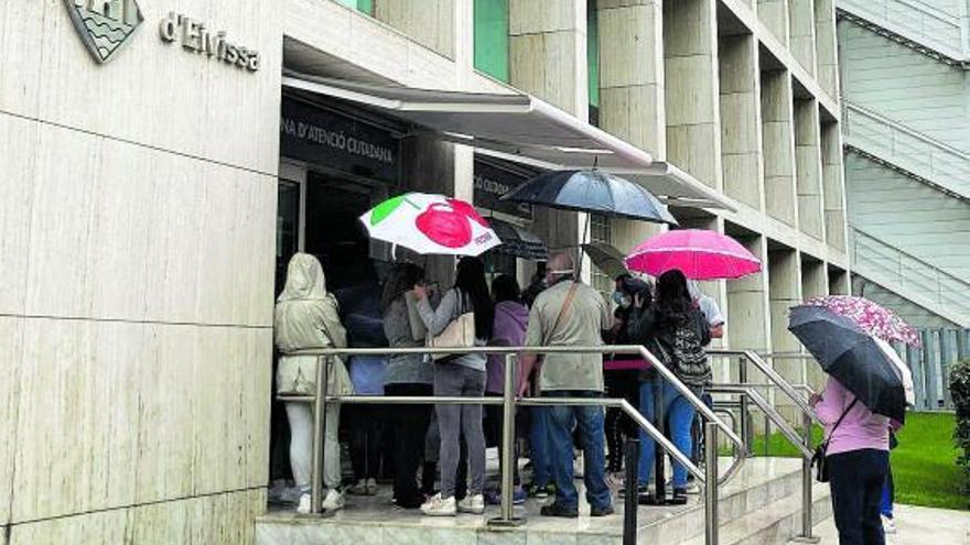 El PSOE critica el trato «vergonzoso» a los ciudadanos en el Consell