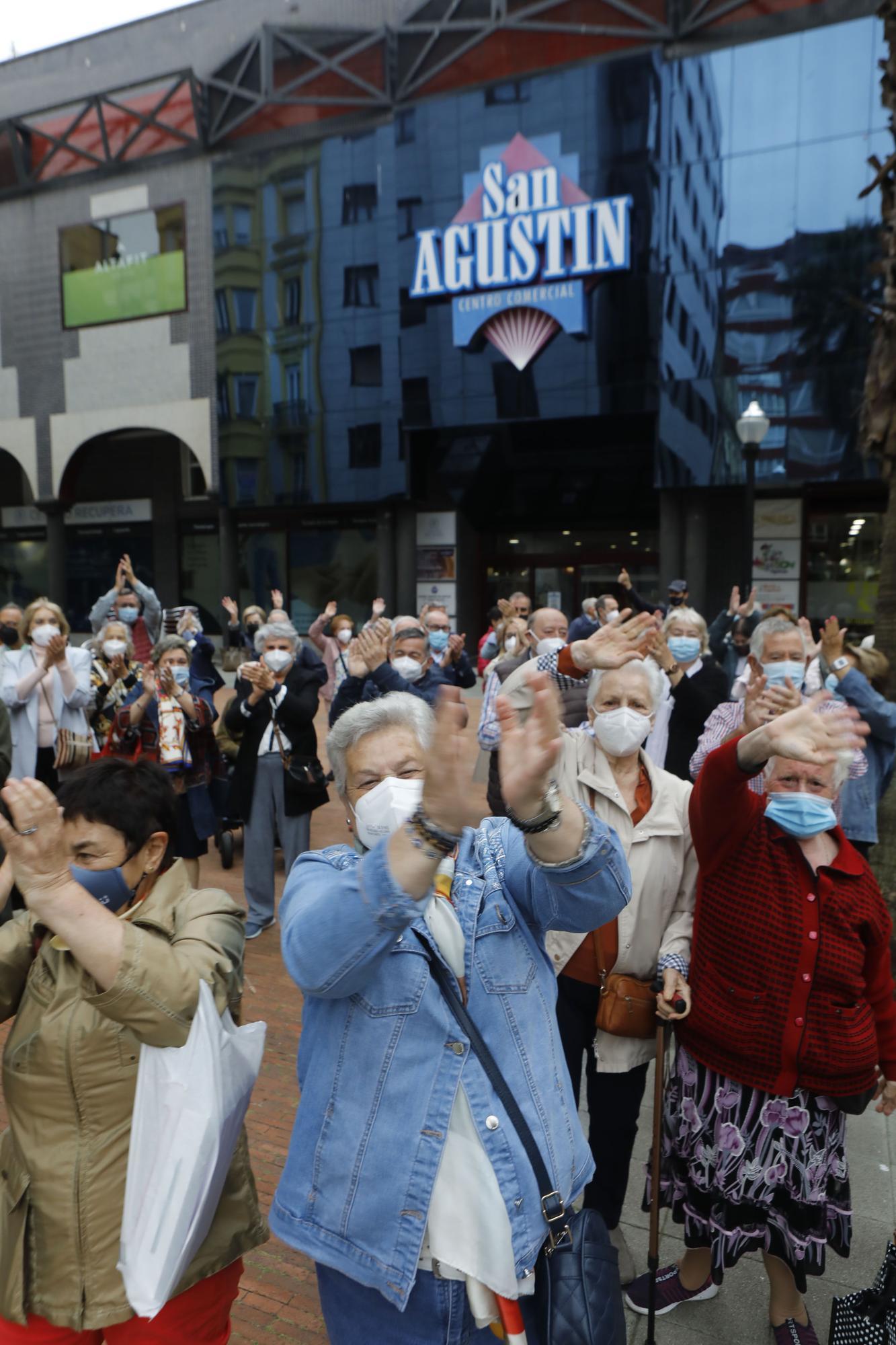 Celebración de los usuarios del centro de mayores del San Agustín