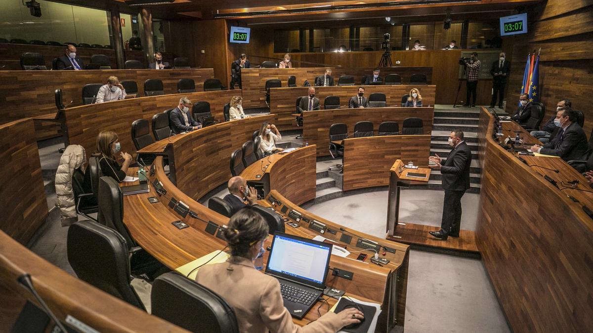 Un momento del debate de orientación política en la Junta, esta semana.