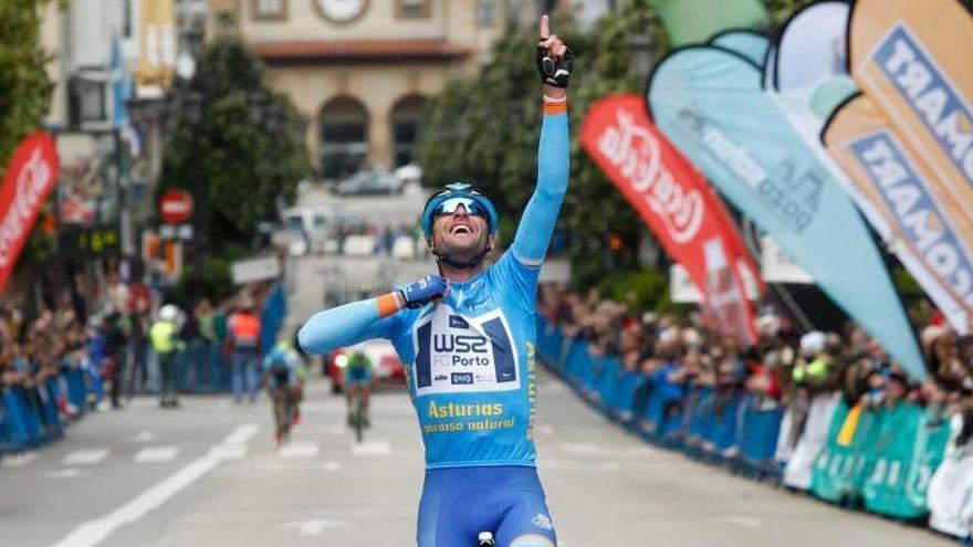 Raúl Alarcón, tercer ciclista español con más victorias en 2017