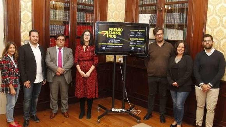 Los jóvenes empresarios coruñeses y el Concello presentan el XIX Premio Emprende