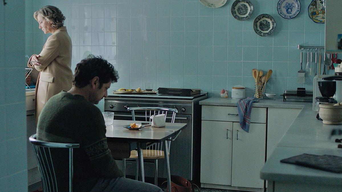 La actriz alicantina Sonia Almarcha y el actor Manolo Solo protagonizan el corto A la cara.