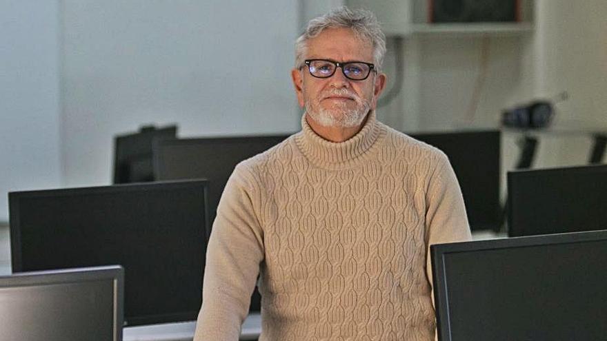 Alfredo Ramón: «No me importa si se conectan con internet durante el examen»
