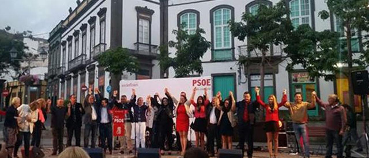 El PSOE cierra  el pacto para gobernar Arucas con CC y NC