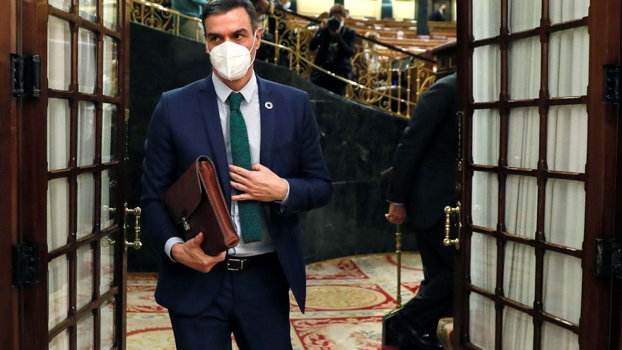 Sánchez y Casado se ven las caras en el Congreso tras el acuerdo para renovar órganos caducados