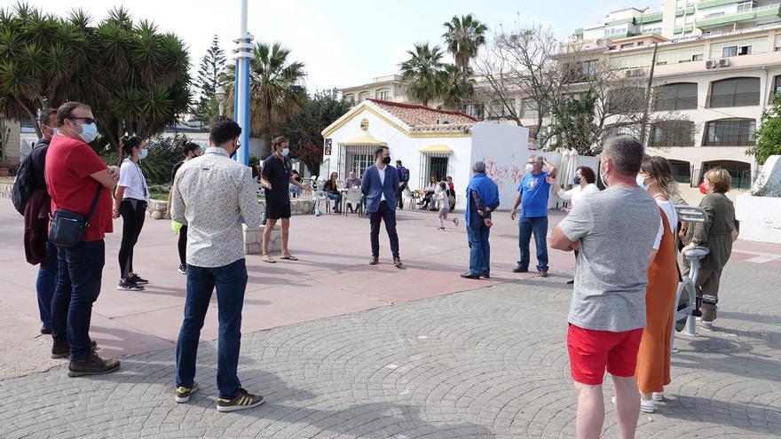 El PSOE pide más control y limpieza en el mercadillo de la barriada de El Palo