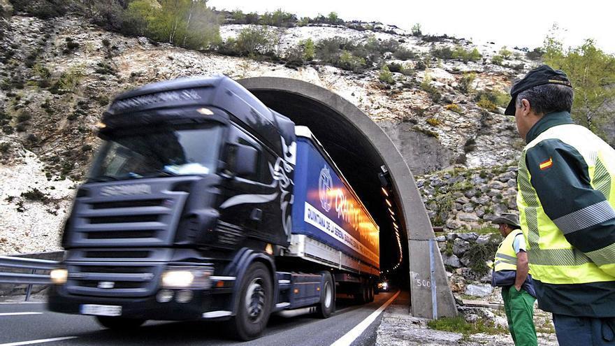 Los túneles del Huerna incumplen la norma europea de seguridad desde hace 16 años