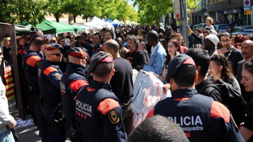 Interior multa amb 600 euros un integrant de l'Espai Antiracista Salt-Girona