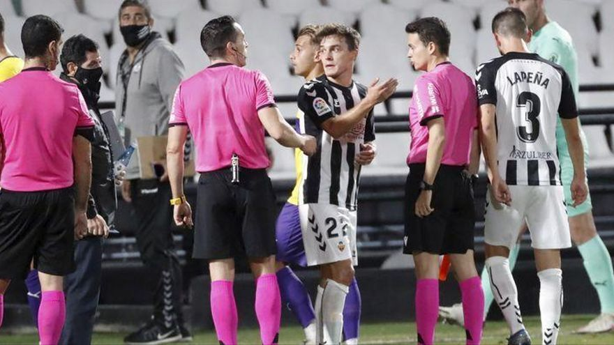 """La indignación aumenta: """"Ni el mundo del fútbol, ni el Castellón entiende el VAR"""", afirma Bruixola"""