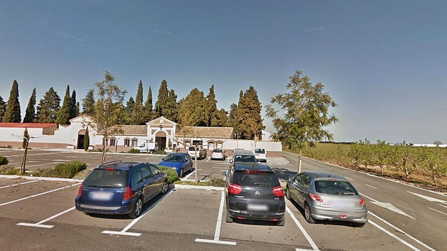 El cierre del cementerio por las restricciones deja a Guadassuar sin Tots Sants