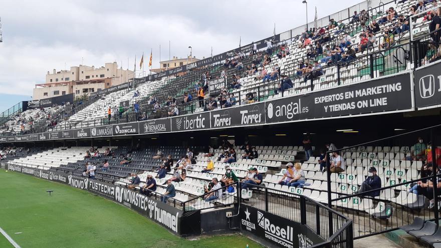 Así ha sido la salida de los jugadores del CD Castellón del túnel de vestuarios.